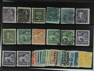 Sweden. Used 1920-34. Small coil stamps.All different, e.g. F 140Acx, 141bz, 144Acc+Ecx, …