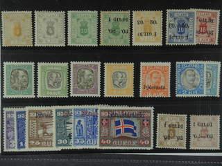 Iceland. ★ 1876-1930. Officials. All different, e.g. F 4, 8, 11, 19, 21v1, 24v2, 31, 39, …